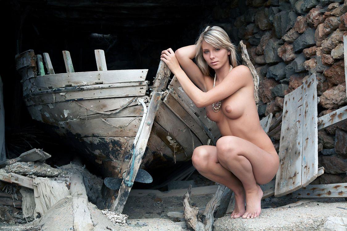 Фото бесплатно Denisa Brazdova, Danae, Gina Novak, Nicole, Tina Shannon, Heather Wild, красотка, голая, голая девушка, обнаженная девушка, позы, поза, сексуальная девушка, эротика, Nude, эротика
