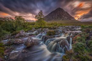 Фото бесплатно Буахале Этив Мор, Шотландия, водопад, горы, река, закат, скалы, камни, деревья, пейзаж