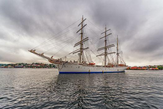 Фото бесплатно Statsraad Lehmkuhl, Ravesand, Norway