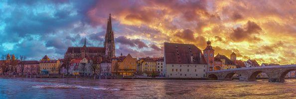Фото бесплатно Регенсбург, Bavaria, Германия, небо, здание, закат солнца, вода, башня, река, мост, панорама