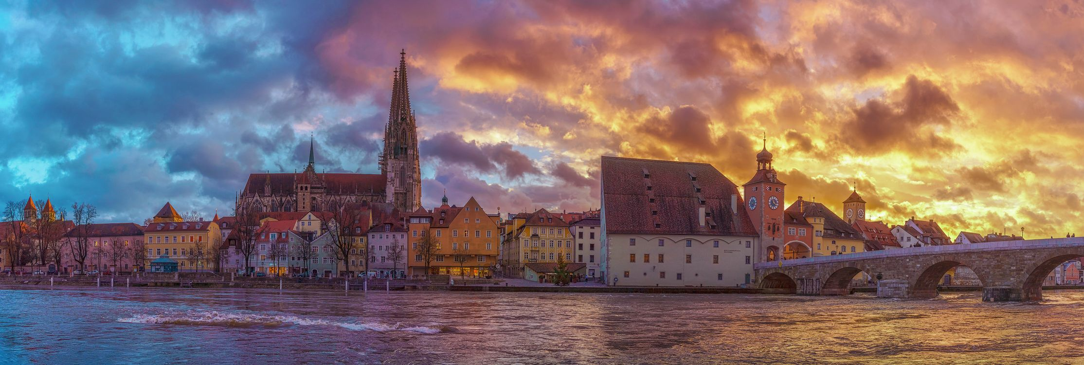Фото бесплатно Регенсбург, Bavaria, Германия, небо, здание, закат солнца, вода, башня, река, мост, панорама, город