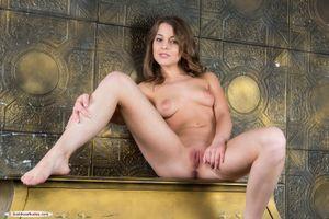 Фото бесплатно сексуальная, киска, скользящие ноги