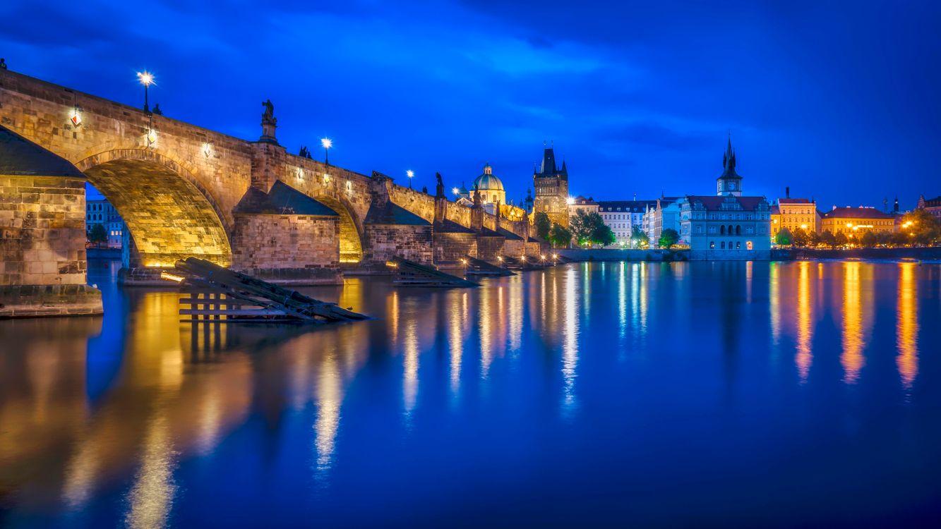 Фото бесплатно Прага, Чехия, Чешская Республика, Prague, Czech Republic, Карлов мост, Река Влтава, город, дома, мосты, иллюминация, ночь, ночные города, город