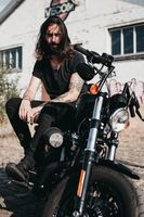 Фото бесплатно мужчина, мотоцикл, байкер, тату, харлей davidson, велосипед