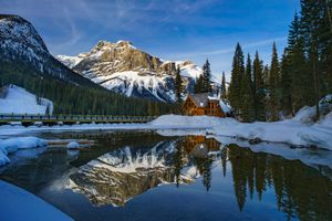 Заставки Emerald Lake, Yoho National Park, Canada