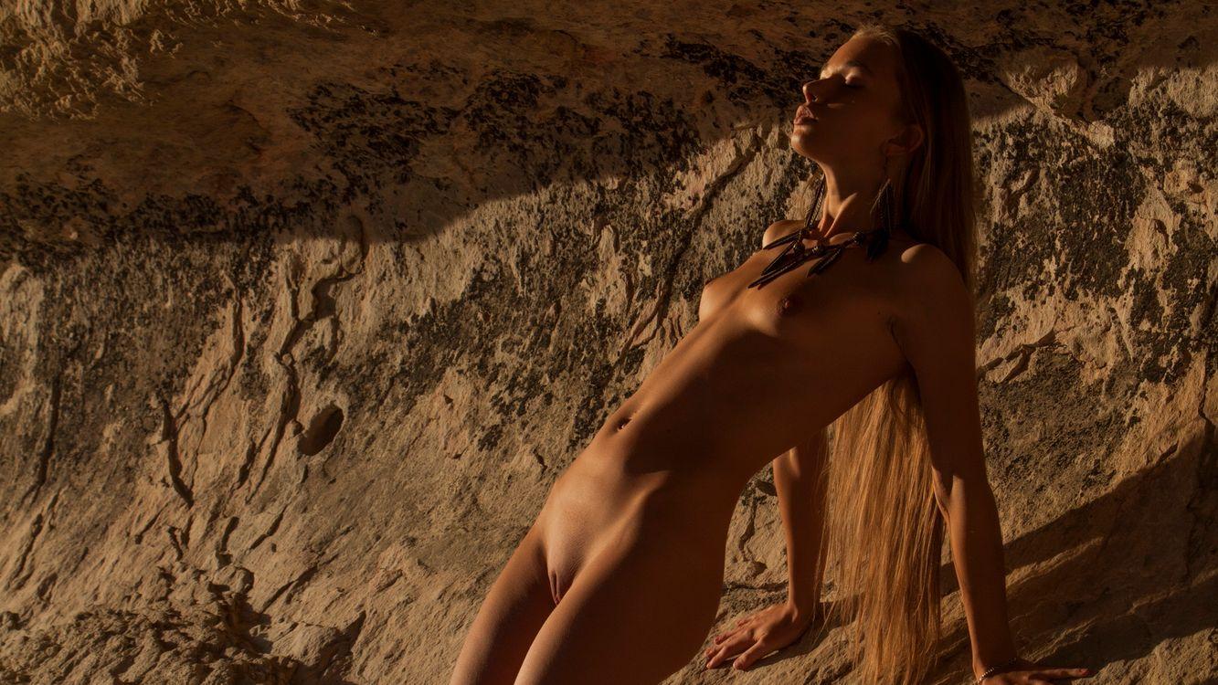 Фото бесплатно Милена, загорелые, обнаженные, длинные волосы, бритая киска, писька, маленькие сиськи, живот, эротика