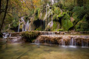 Бесплатные фото осень,водопад,скалы,лес,деревья,природа,пейзаж