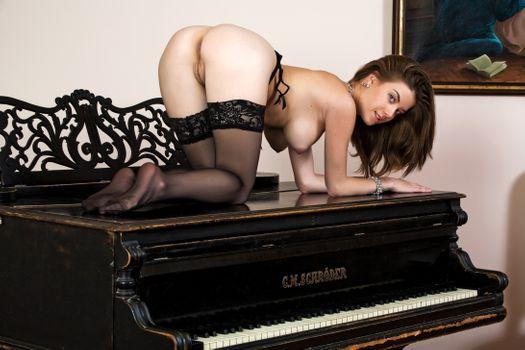 Бесплатные фото Anita C,Danica,Luisa,Anita Silver,эротика,голая девушка,обнаженная девушка,позы,поза,сексуальная девушка,Nude,Solo