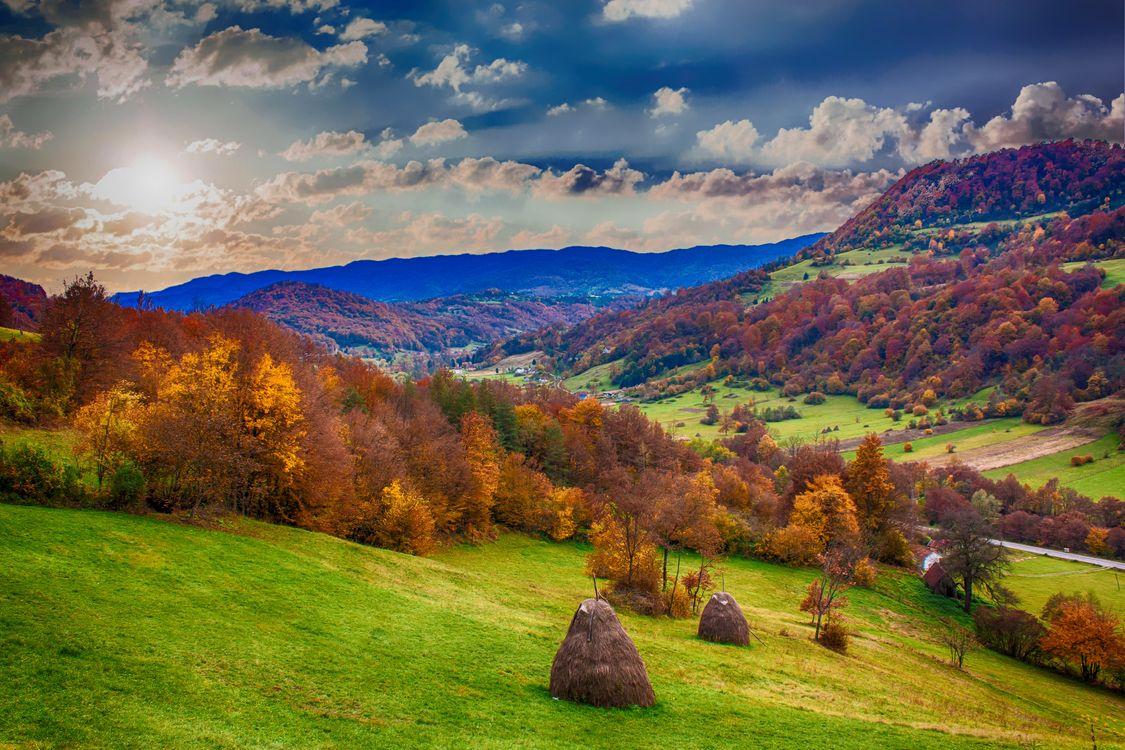Фото бесплатно landscape, hills, mountains, sky, trees, scenic, nature - на рабочий стол