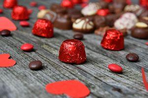 Бесплатные фото задний план,день рождения,конфеты,шоколад,концепция,темно,день