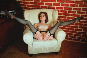 Бесплатные фото Alice Shea,красотка,голая,голая девушка,обнаженная девушка,позы,поза