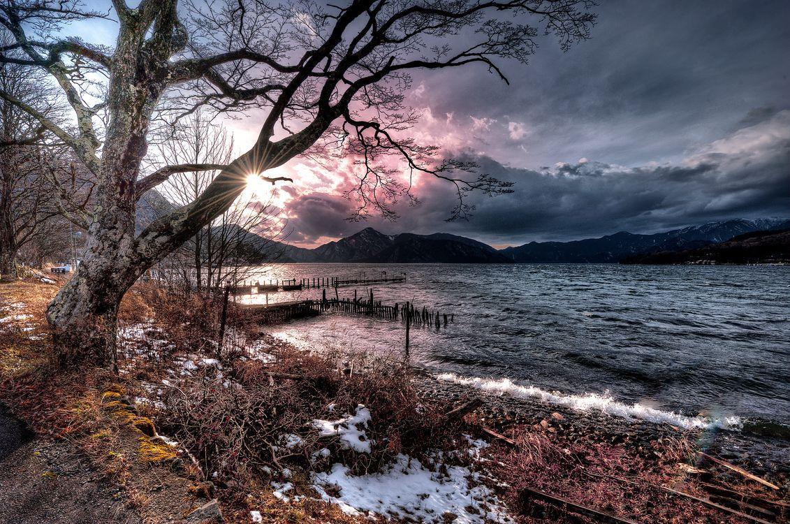 Обои Япония, море, закат, берег, небо, облака, причал, деревья, пейзаж на телефон | картинки пейзажи