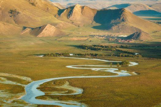 Изгибы реки Анги · бесплатное фото