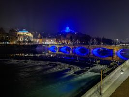 Photo free lights, channel, bridge