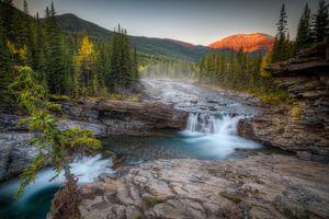 Бесплатные фото Sheep River Falls,Kananaskis Country,Alberta,Канада,река,скалы,горы
