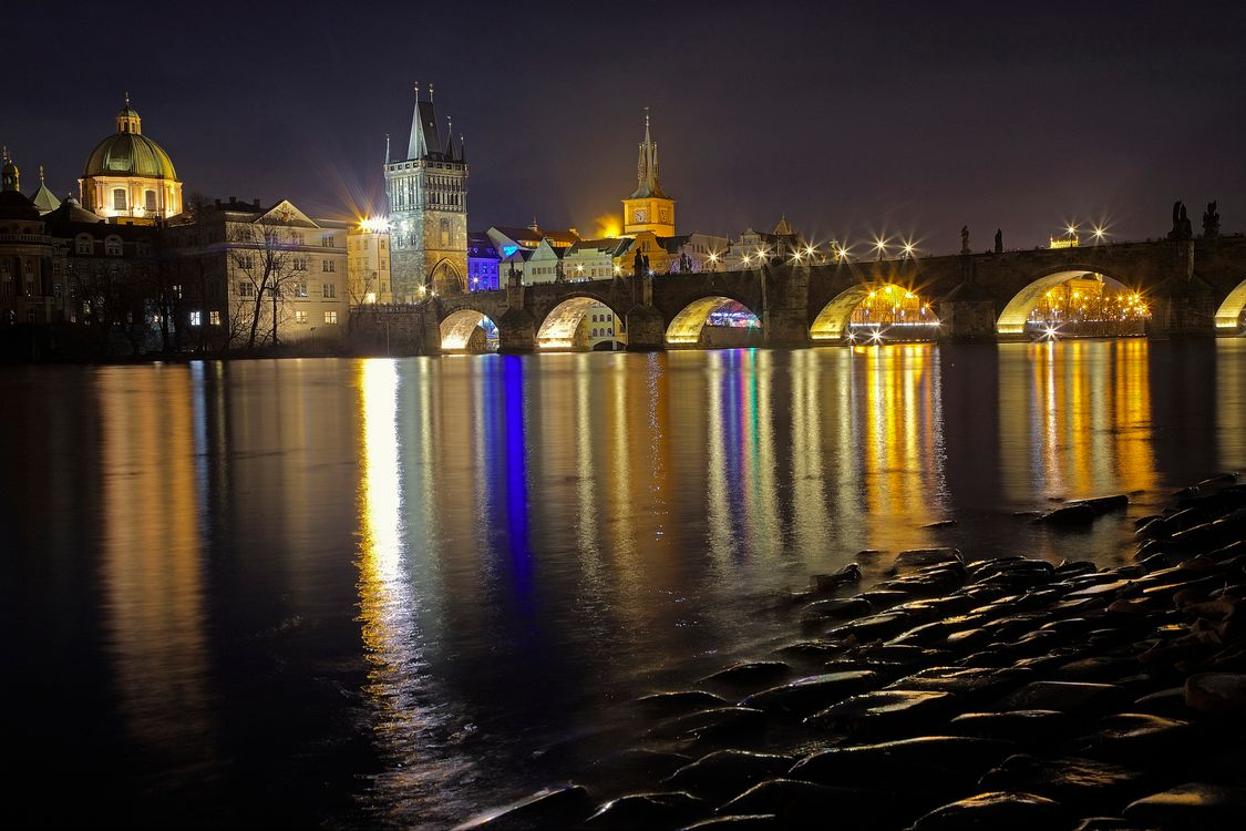 Фото бесплатно Charles Bridge, Prague, Czech Republic, Карлов мост, Прага, Чехия, ночь, иллюминация, город