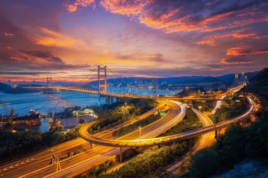 Бесплатные фото Цин ма мостовая связь между аэропортом и городом Гонконг,основной транспорт в Гонконге,Китай,дороги,мосты,закат,городской пейзаж