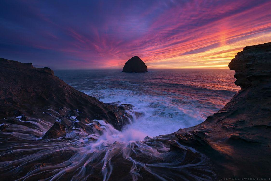 Фото бесплатно Вода от падающих волн на мысе Киванда, Орегон, закат, сумерки, море, скалы, пляж, волны, небо, природа, пейзаж, пейзажи
