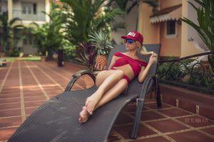 Фото бесплатно девушка, сексуальная, ананас