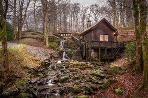 Бесплатные фото водяная мельница,осень,лес,водопад,деревья,камни,речка