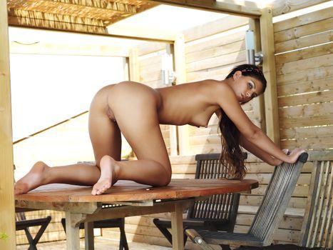 Francesca Gallardo exposes her beautiful body