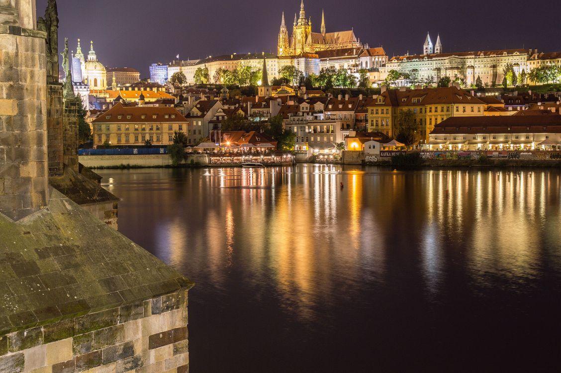 Фото бесплатно Прага, Чехия, Чешская Республика, Prague, Czech Republic, Пражский град, Карлов мост, Река Влтава, город, дома, мосты, иллюминация, ночь, ночные города, город