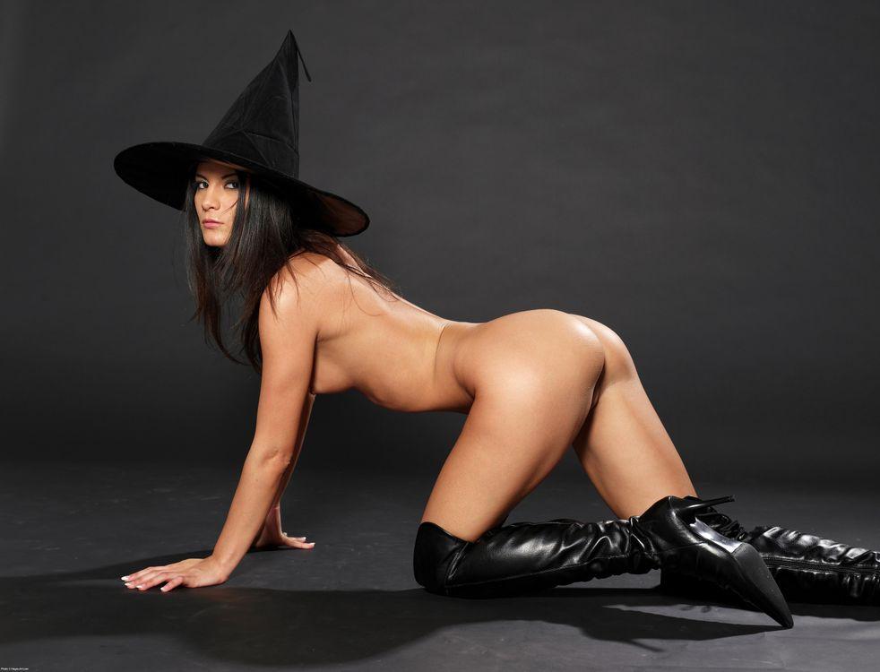 порно ведьма фото очередь