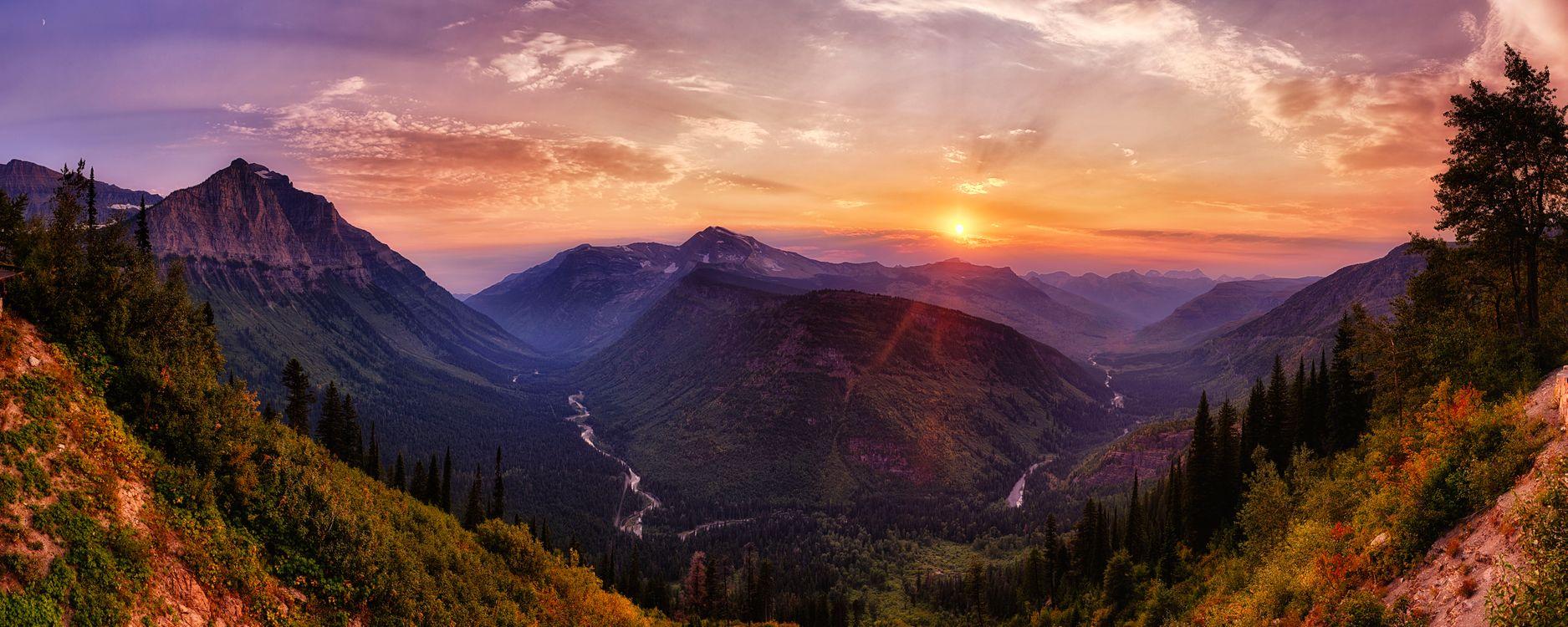 Закат в горах и река · бесплатное фото