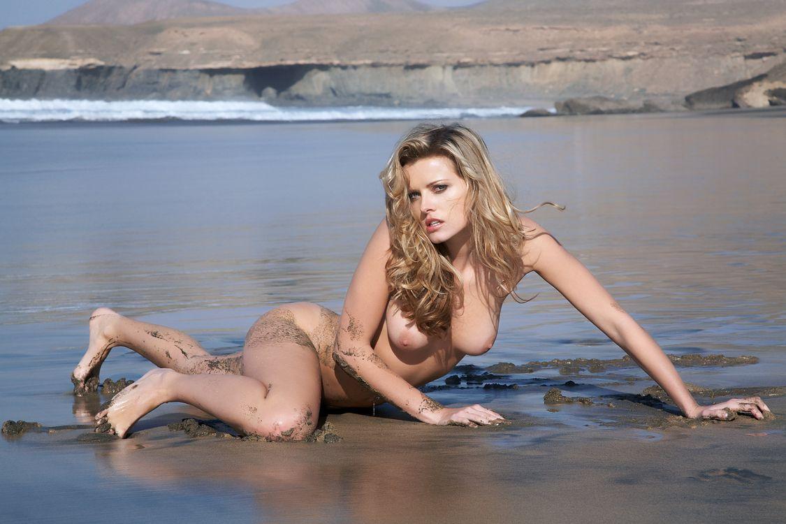 Обои Nikky Case, красотка, голая, голая девушка, обнаженная девушка, позы, поза, сексуальная девушка, эротика, Nude, Solo, Posing, Erotic на телефон | картинки эротика