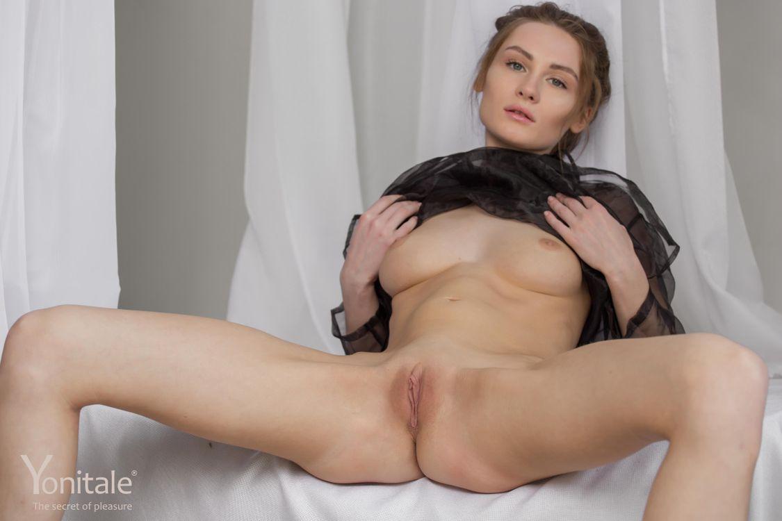 Фото бесплатно Gerda Y, красотка, голая, голая девушка, обнаженная девушка, позы, поза, сексуальная девушка, эротика, Nude, Solo, Posing, Erotic, фотосессия, sexy, эротика