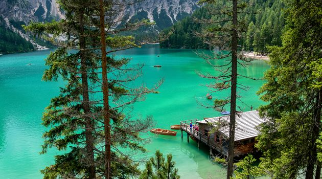 Фото бесплатно лодки, домик, лес