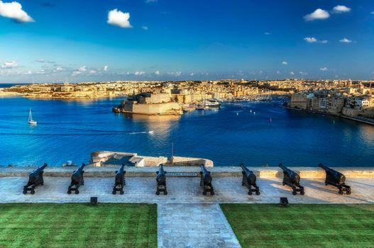 Бесплатные фото Салютирующая батарея,Валлетте,Мальта
