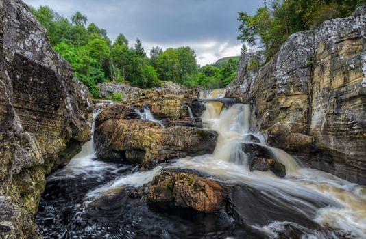Фото бесплатно деревья, водопады, скалы