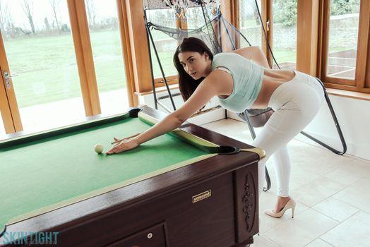 Joey bent over the Billiards · free photo