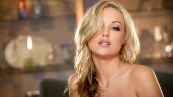 Шикарная модель блондинка