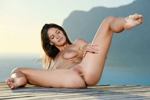 Photo free jasmin, brunette, outdoors