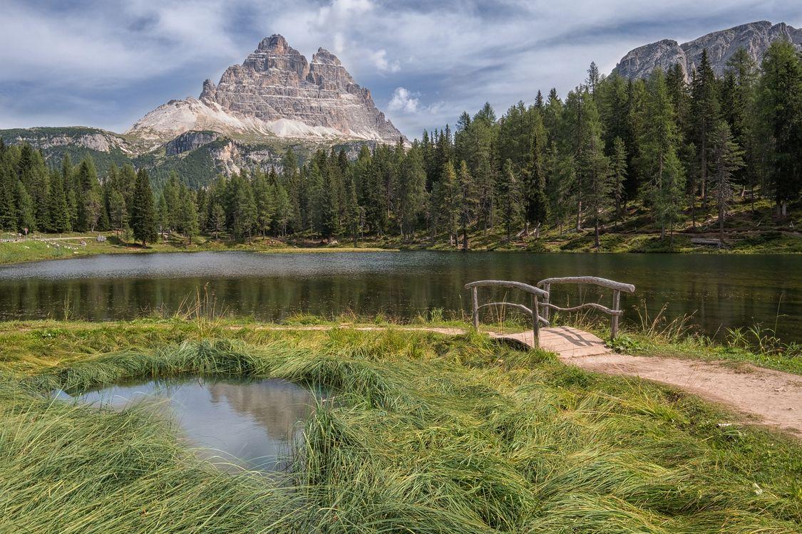 Фото бесплатно Озеро Анторно, Dolomiti, Италия, горы лес, деревья, озеро, мостик, природа, пейзаж, пейзажи