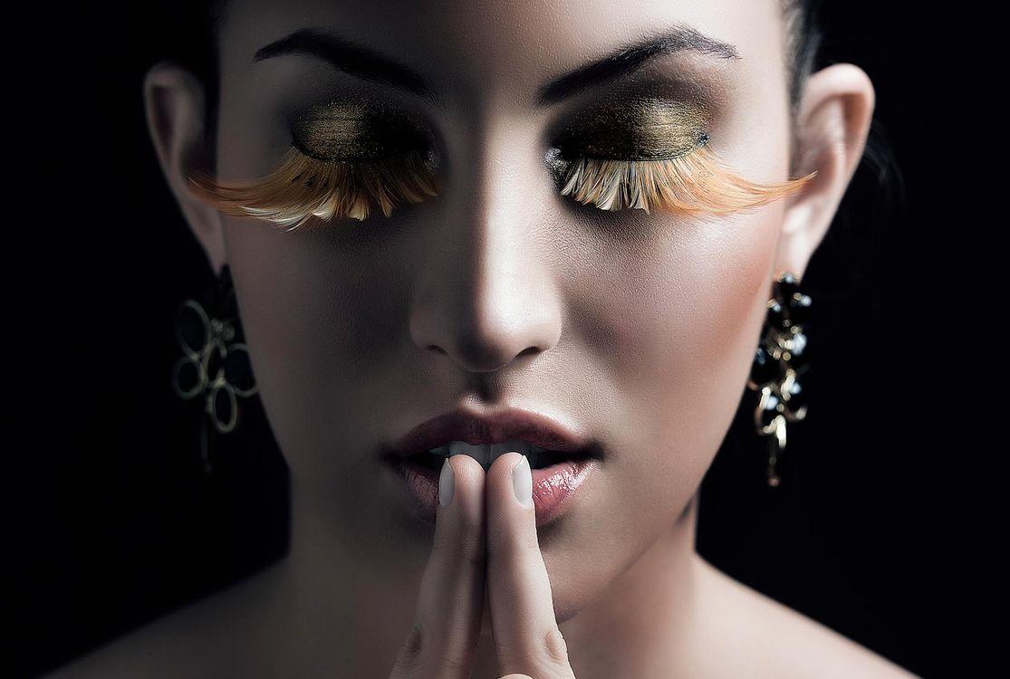 Фото бесплатно Thais Lucena, девушка, девушки, макияж, лицо, косметика, стиль, гламур, красота, модель, красивый макияж, красотка, настроение, причёска, поза, позы, фотосессия, портретное фото, девушки - скачать на рабочий стол