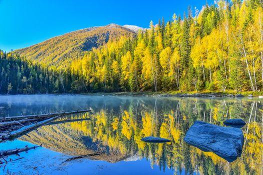 Бесплатные фото Синьцзян,Китай,Северный пейзаж Синьцзяна,горы,озеро,осень,лес,деревья,природа,пейзаж