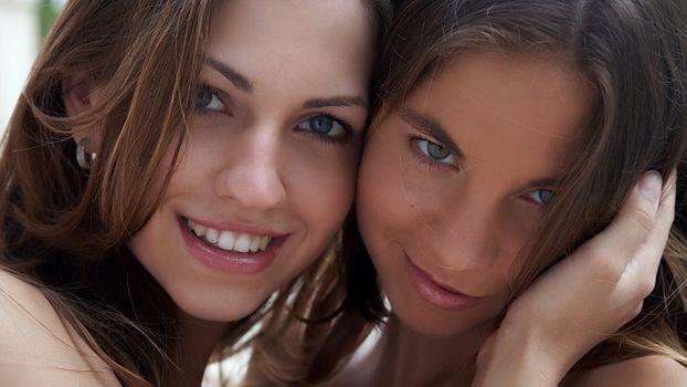 Бесплатные фото антеа,eufrat,красивая,улыбка,лицо,портрет,2 девочки