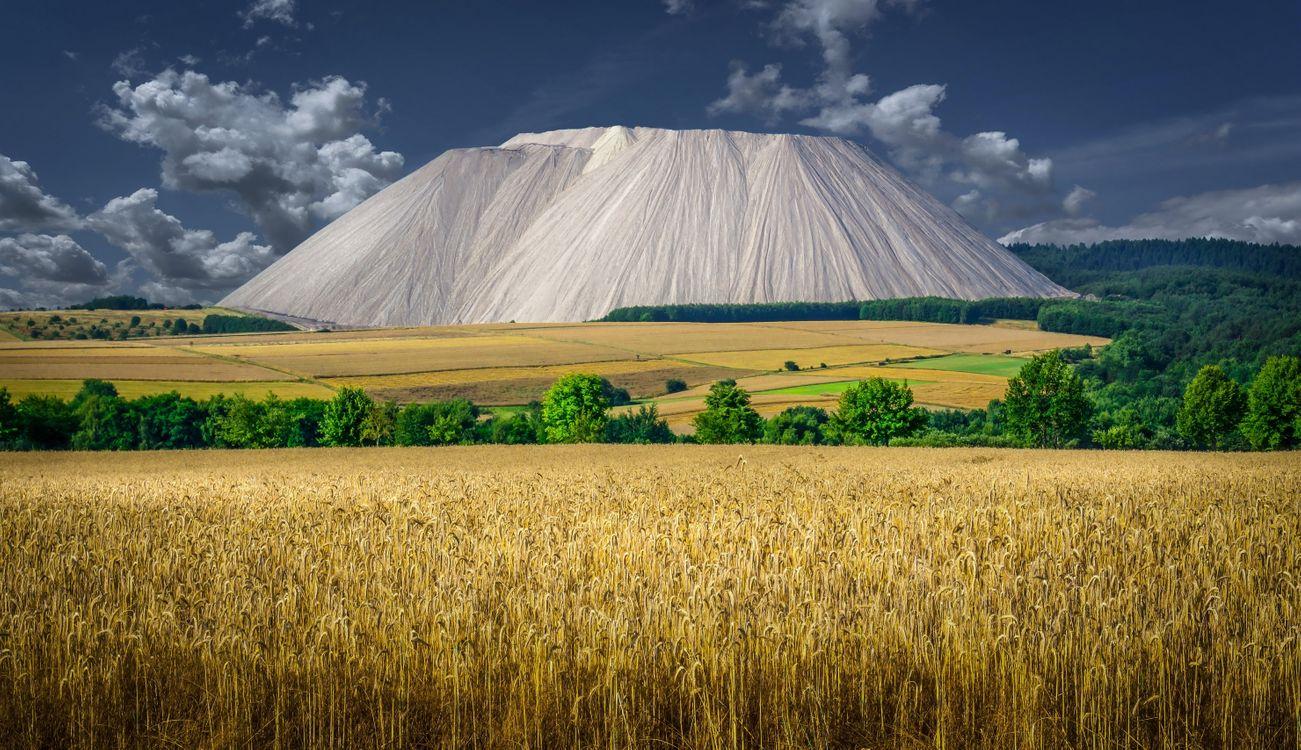 Фото бесплатно поле, горы, облака - на рабочий стол