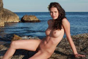 Photo free pose, erotica, Liza J