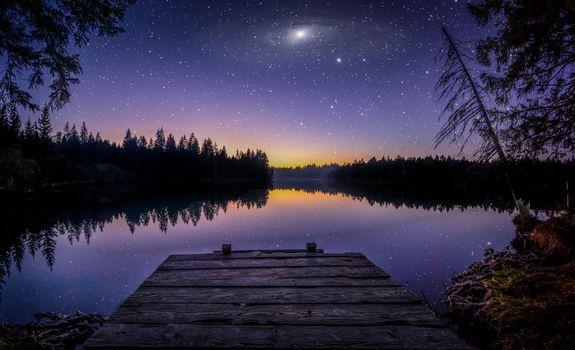 Заставки ночь, свечение в небо, вспышка
