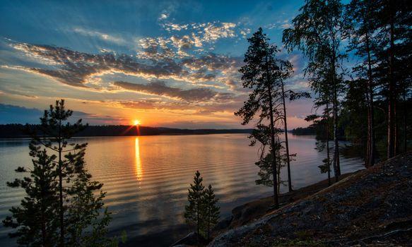 Фото бесплатно Kankarisvesi, Finland, закат, сумерки, красивое небо, озеро, деревья, природа, пейзаж