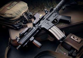 Фото бесплатно сумка, пистолет, оружие