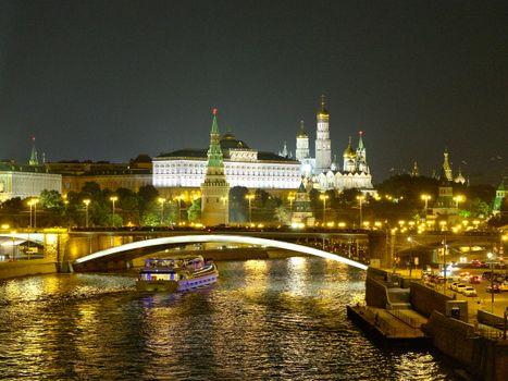 Бесплатные фото Ночная Москва,Москва-река,Москва,Россия,Московский Кремль,ночь,иллюминация,ночные города