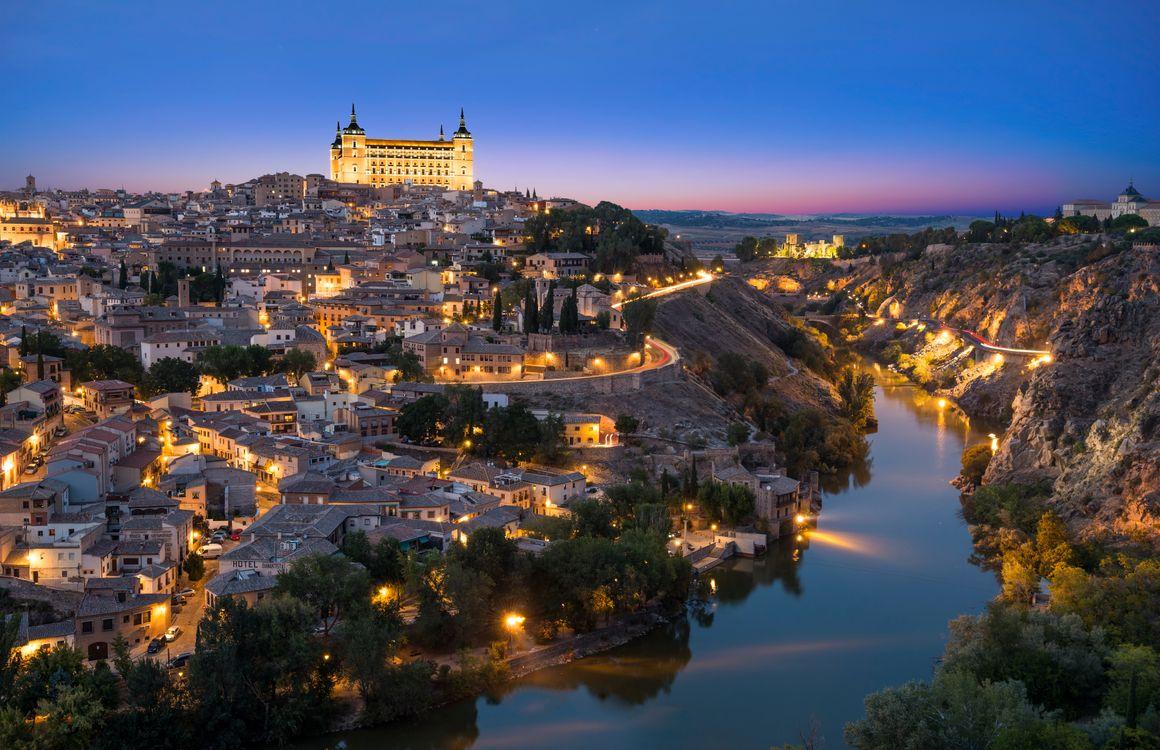 Фото бесплатно Toledo, Испания, ночь, река, дома, свечение, небо, город, панорама, город