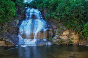 Фото бесплатно водопад, водоём, скалы, лес, деревья, природа, пейзаж
