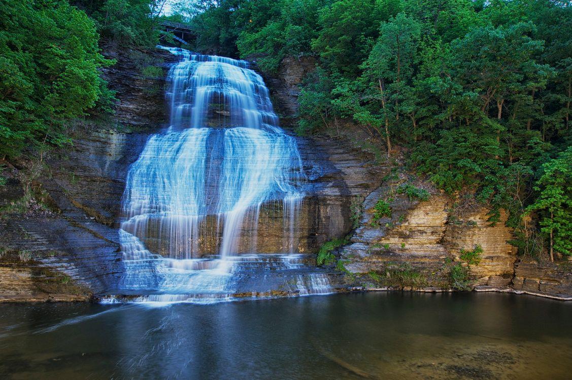 Фото бесплатно водопад, водоём, скалы, лес, деревья, природа, пейзаж, пейзажи - скачать на рабочий стол