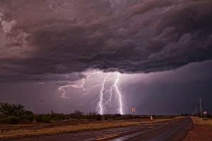 Photo free field, AZ, storm